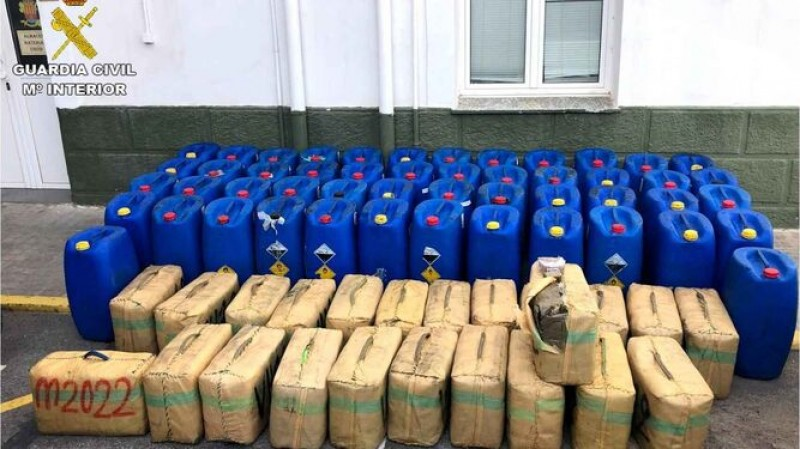 <span style='color:#780948'>ARCHIVED</span> - Arrests in Murcia and Alicante after 2.5 tonnes of hashish found on yacht