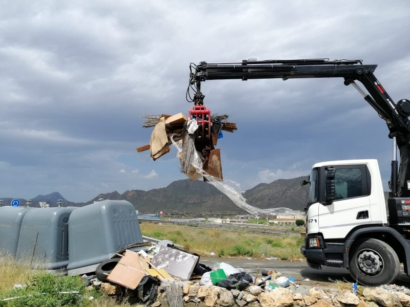 <span style='color:#780948'>ARCHIVED</span> - Aguilas launches campaign to stop illegal rubbish dumping