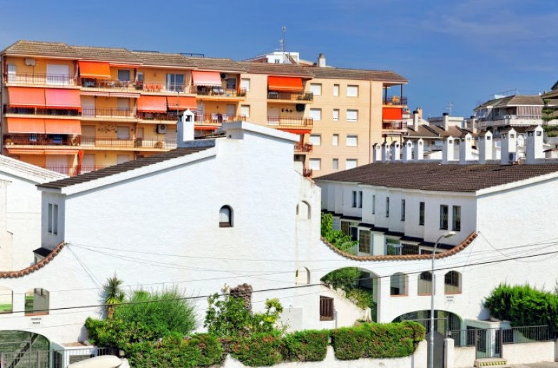 <span style='color:#780948'>ARCHIVED</span> - Spanish property market continues to emerge from the Covid crisis as sales soar