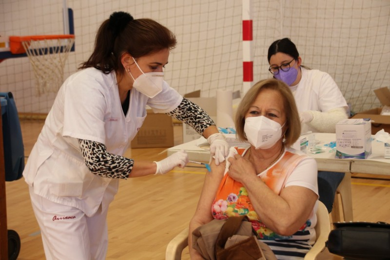 <span style='color:#780948'>ARCHIVED</span> -  Andalusia administered 602,000 vaccines during the last week