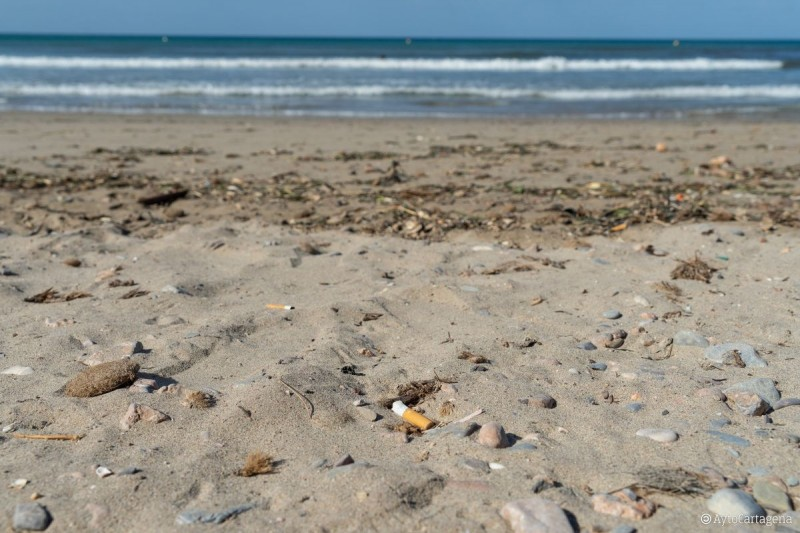 <span style='color:#780948'>ARCHIVED</span> - La Chapineta beach in Cartagena becomes token smoke-free beach for this summer