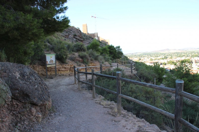 <span style='color:#780948'>ARCHIVED</span> - Alhama de Murcia overhauls walkway to the castle