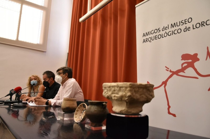 <span style='color:#780948'>ARCHIVED</span> - Five pieces recovered from Lorca mediaeval Jewish quarter join Archaeological Museum collection