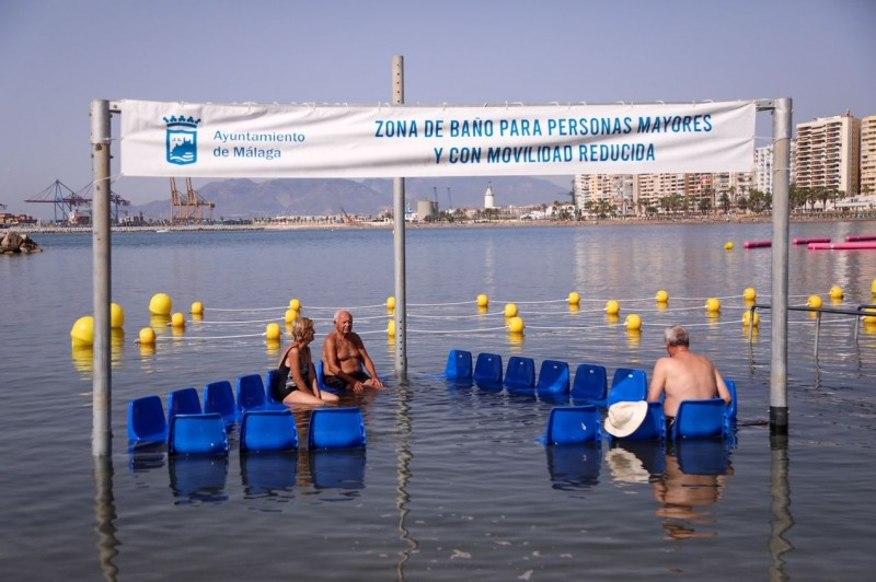 <span style='color:#780948'>ARCHIVED</span> - Assisted bathing area installed in the city of Malaga