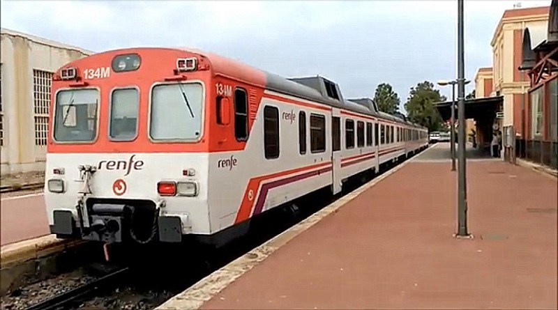 <span style='color:#780948'>ARCHIVED</span> - Political fur flies over temporary closure of Águilas to Murcia local railway service