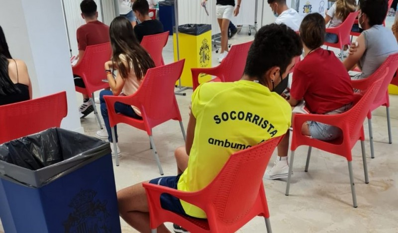 <span style='color:#780948'>ARCHIVED</span> - Orihuela lifeguards receive first doses of Covid vaccine