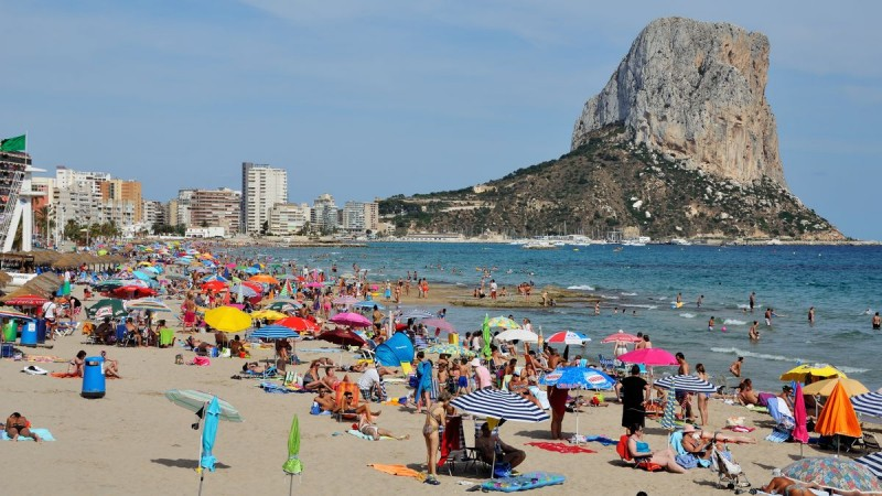 <span style='color:#780948'>ARCHIVED</span> - Calpe beach closed amid sewage spill scare
