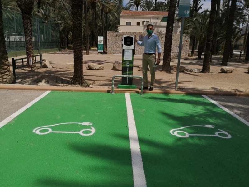 <span style='color:#780948'>ARCHIVED</span> - Orihuela to install four new charging points for electric vehicles