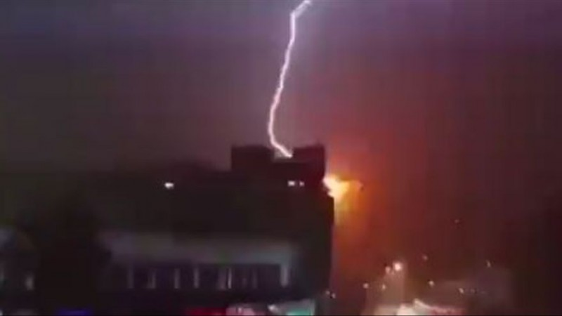 <span style='color:#780948'>ARCHIVED</span> - Lightning strikes apartment building in Benidorm on the Costa Blanca