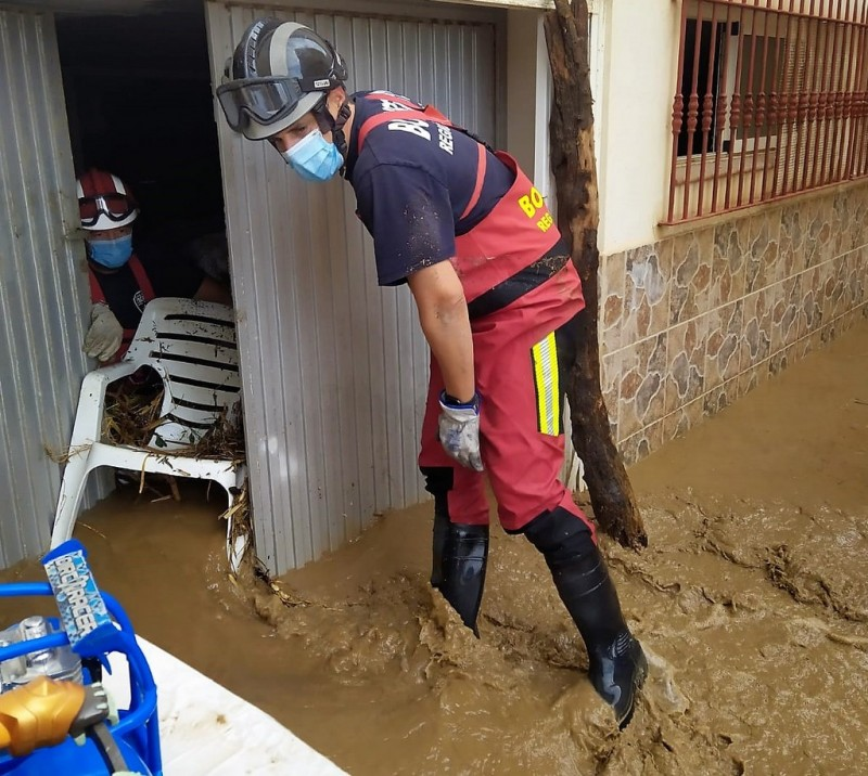<span style='color:#780948'>ARCHIVED</span> - Heavy storm causes temporary chaos and flooding in Aguilas on Thursday morning