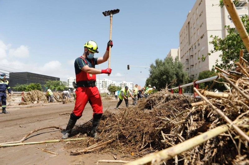 <span style='color:#780948'>ARCHIVED</span> - Aguilas continues clean-up after torrential rains on Thursday