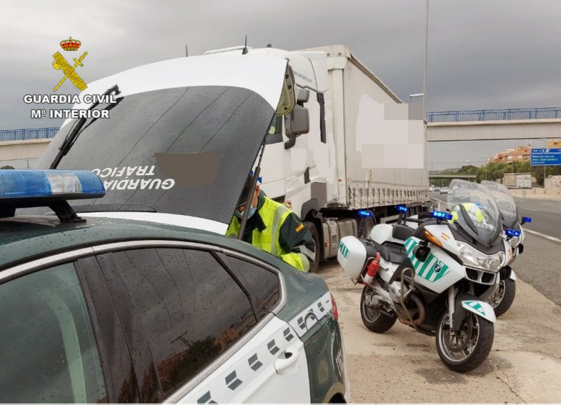 <span style='color:#780948'>ARCHIVED</span> - Another interception of lorry driver four times over the limit in Murcia