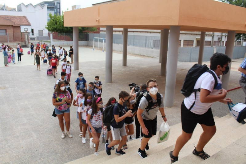 <span style='color:#780948'>ARCHIVED</span> - Bumpy start to school year in Murcia region