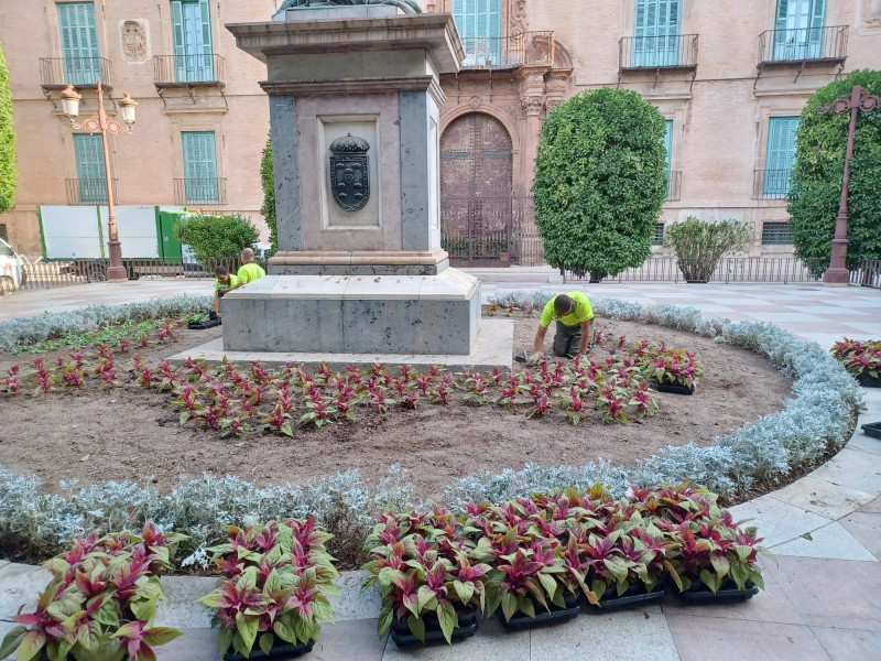 Murcia city changing colours for autumn