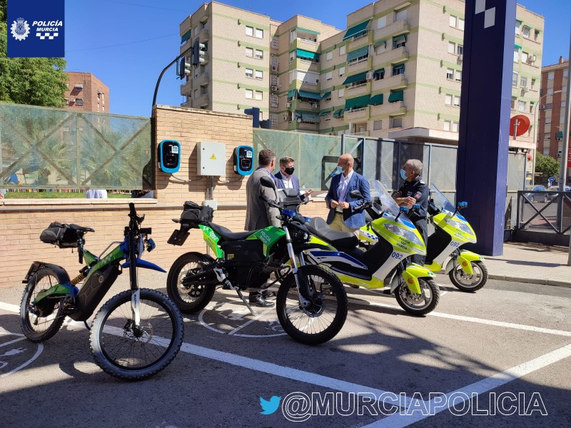 <span style='color:#780948'>ARCHIVED</span> - Murcia police go electric