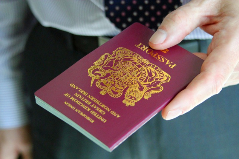 <span style='color:#780948'>ARCHIVED</span> - New passport rules for Brits in Spain post-Brexit