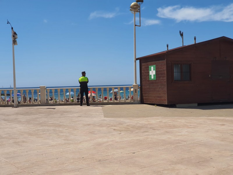 <span style='color:#780948'>ARCHIVED</span> - Pensioner saved from drowning by ambulance team in Torrevieja