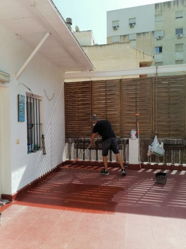Ancient roof terrace on apartment block in Alicante city centre gets new lease of life