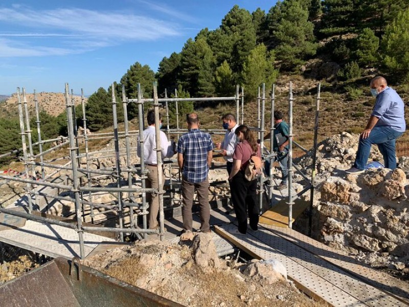 <span style='color:#780948'>ARCHIVED</span> - Work underway to restore two more snow wells in the Sierra Espuña
