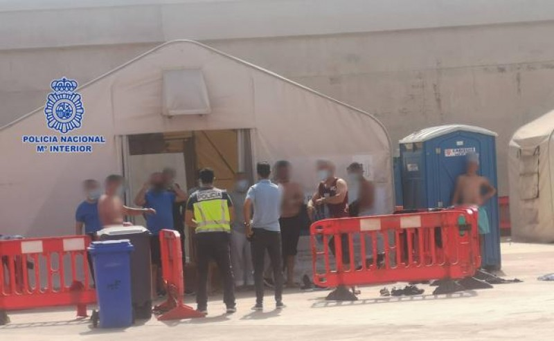 <span style='color:#780948'>ARCHIVED</span> - Six men arrested in Murcia for bringing illegal migrants from Africa