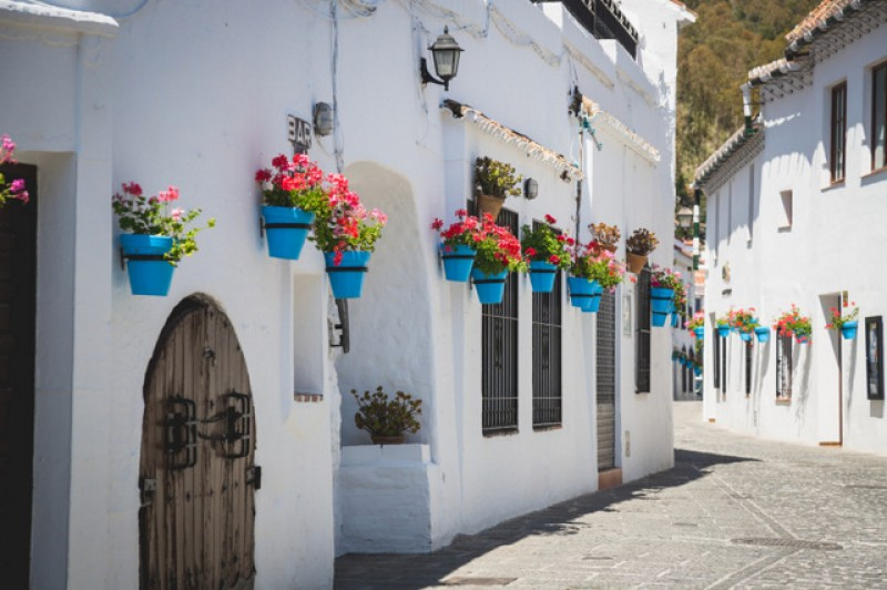 <span style='color:#780948'>ARCHIVED</span> - Property prices in Andalusia, Spain are up 9 per cent since last July