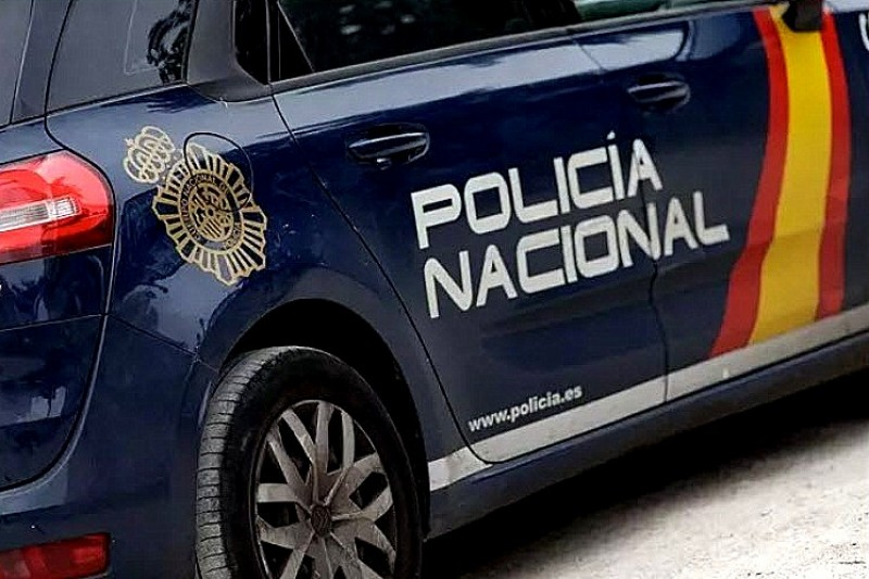 <span style='color:#780948'>ARCHIVED</span> - German homeowners in Marbella detain robber in living room