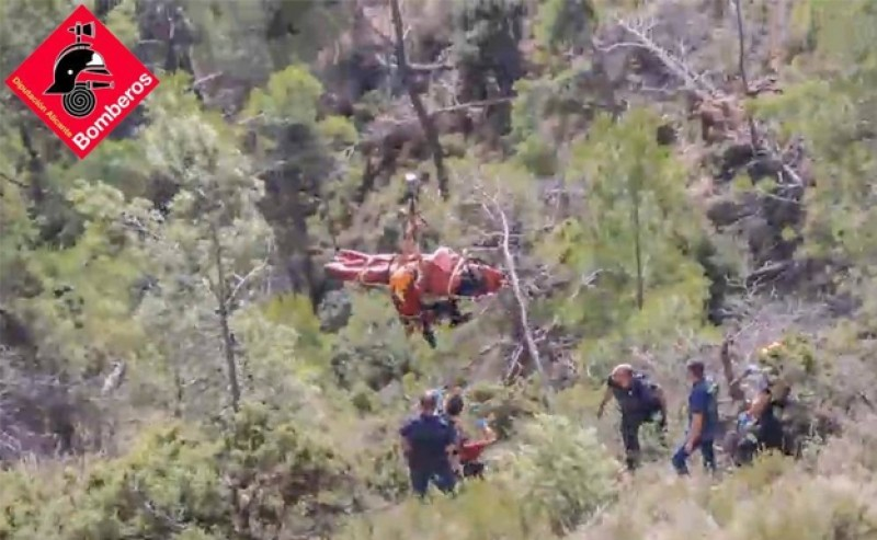Biker in dramatic air rescue after plunging 100 metres over side of mountain in Alicante