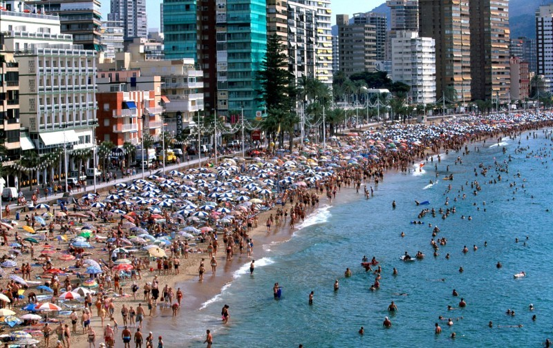 Bumper weekend in bustling Benidorm close to pre-pandemic levels