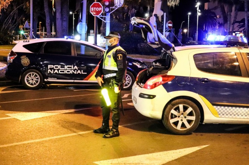Brit arrested in Alicante after trying to run over police officers in stolen car