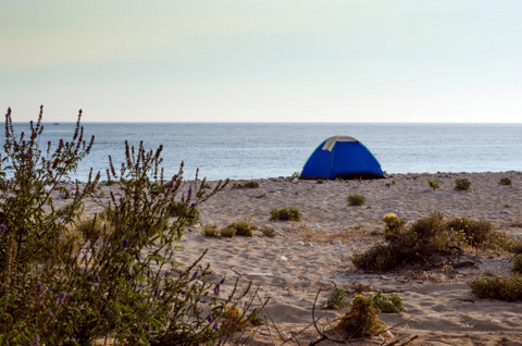<span style='color:#780948'>ARCHIVED</span> - Murcian beach campers fined