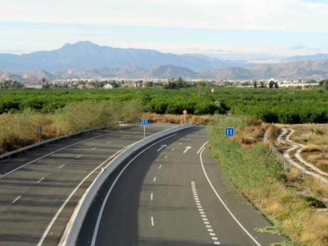<span style='color:#780948'>ARCHIVED</span> - Spanish president promises to unblock funds for the San Javier-Santomera motorway