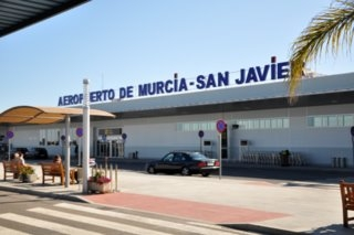 San Javier airport workers oppose proposed transfers to Aeromur at Corvera
