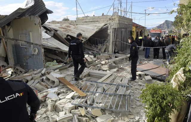 <span style='color:#780948'>ARCHIVED</span> - Two injured in gas explosion on Murcia-Alicante border