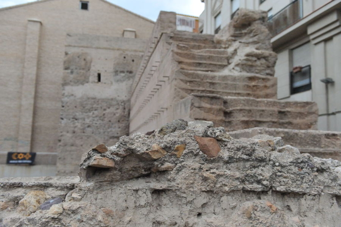 The Muralla de Verónicas and the medieval walled city of Murcia