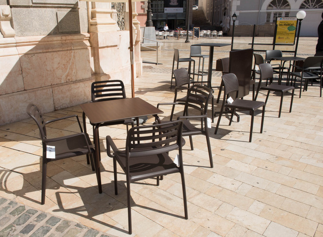 <span style='color:#780948'>ARCHIVED</span> - Cartagena Town Hall imposes standard terrace furniture on bars and restaurants