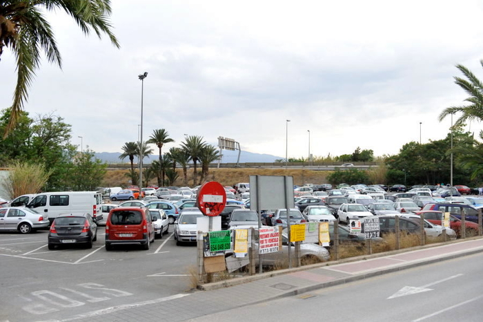 Parking in or near the centre of Murcia: free car parks and paying underground facilities