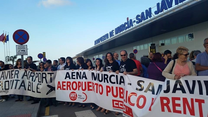 San Javier airport support group stages protest against closure plans