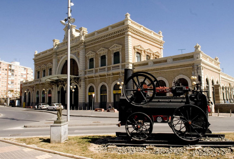 <span style='color:#780948'>ARCHIVED</span> - Cartagena Mayor wants to use existing railway station for AVE high-speed train