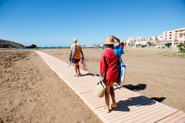 Four Mazarrón beaches have year-round solid beach walkways