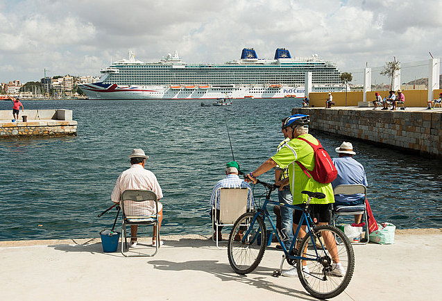 <span style='color:#780948'>ARCHIVED</span> - Cartagena moves nearer to becoming a cruise ship home port