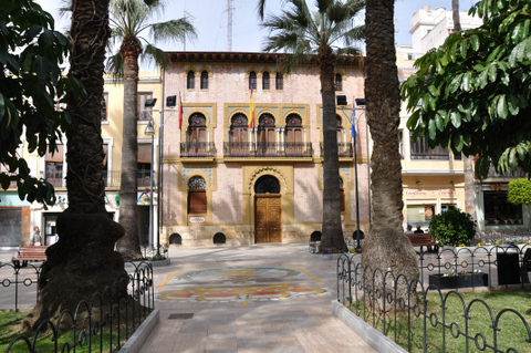 7th May free guided tour around the historical attractions of ��guilas
