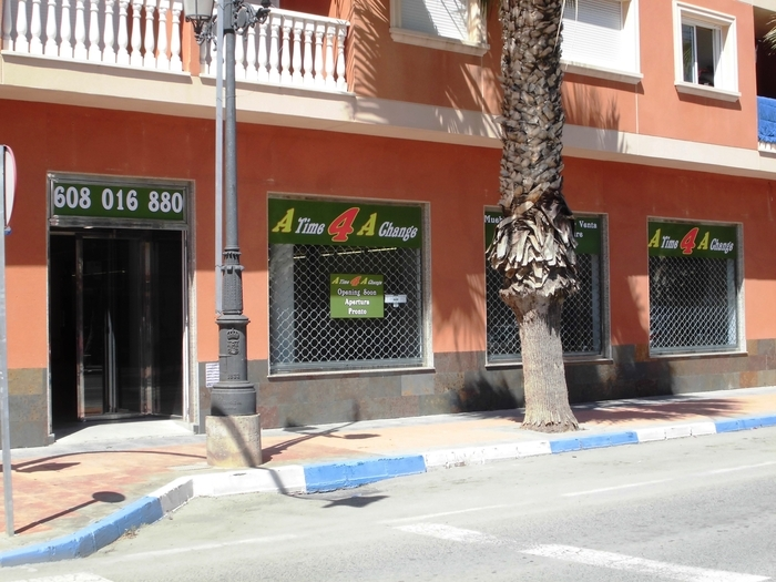 New Second hand furniture store opens in Los Alcazares Murcia