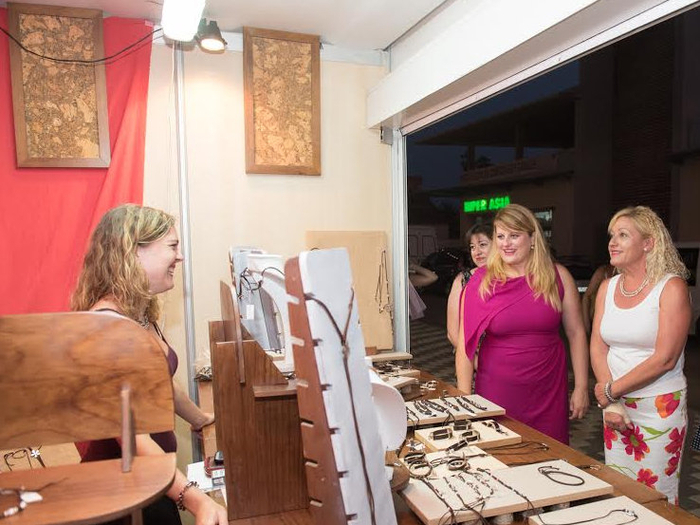 Until mid-September, daily summer market in Puerto de Mazarron