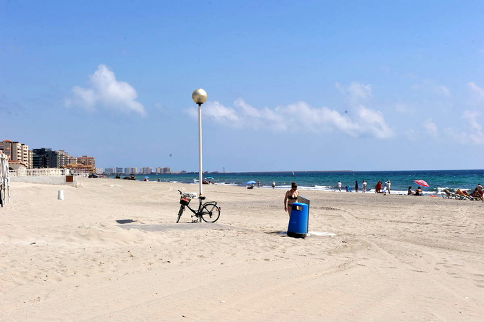 Playa El Arenal, almost two kilometres of sandy Mediterranean beach in the San Javier section of La Manga