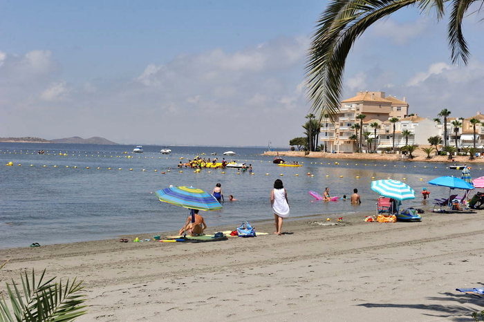 Playa El Pedruchillo, a popular Mar Menor beach in the San Javier section of La Manga