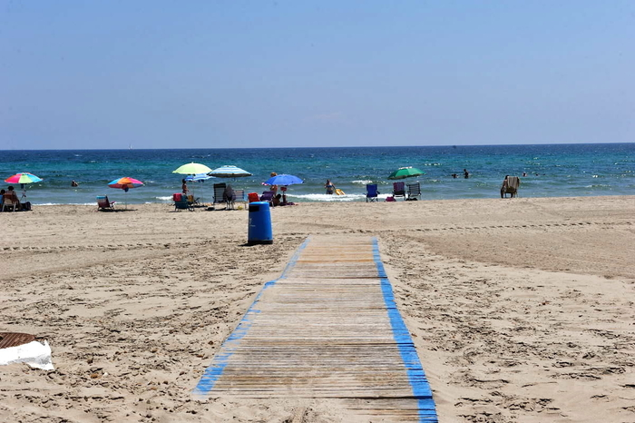 Playa El Pedrucho, a popular Mediterranean beach in the San Javier section of La Manga