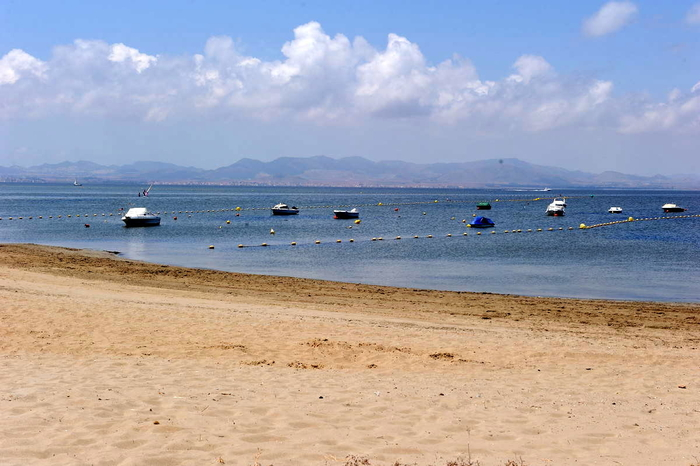 A very popular Mar Menor beach in the San Javier section of La Manga