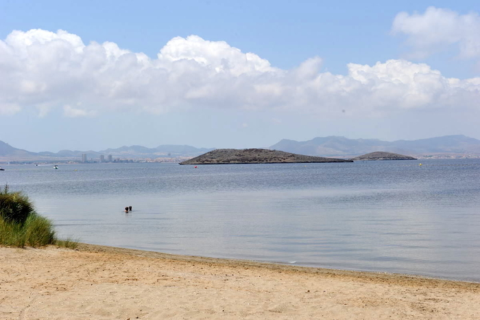 Playa Alíseos, a Mar Menor beach in the San Javier section of La Manga