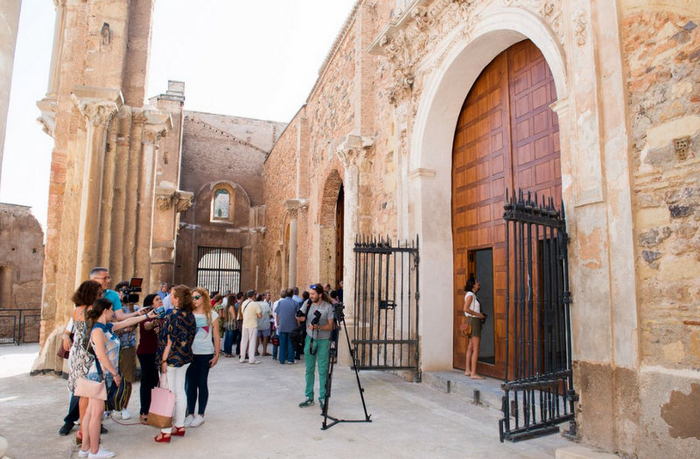 <span style='color:#780948'>ARCHIVED</span> - Cartagena cathedral holds its first Mass for decades