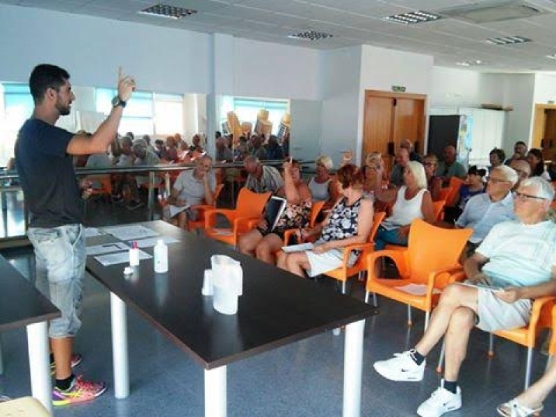 Mazarrón council extends programme of free Spanish classes on Camposol urbanisation